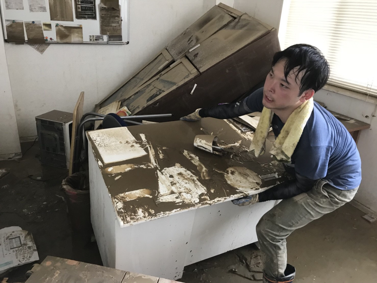 西日本豪雨災害にて実際ボランティアに参加されている様子