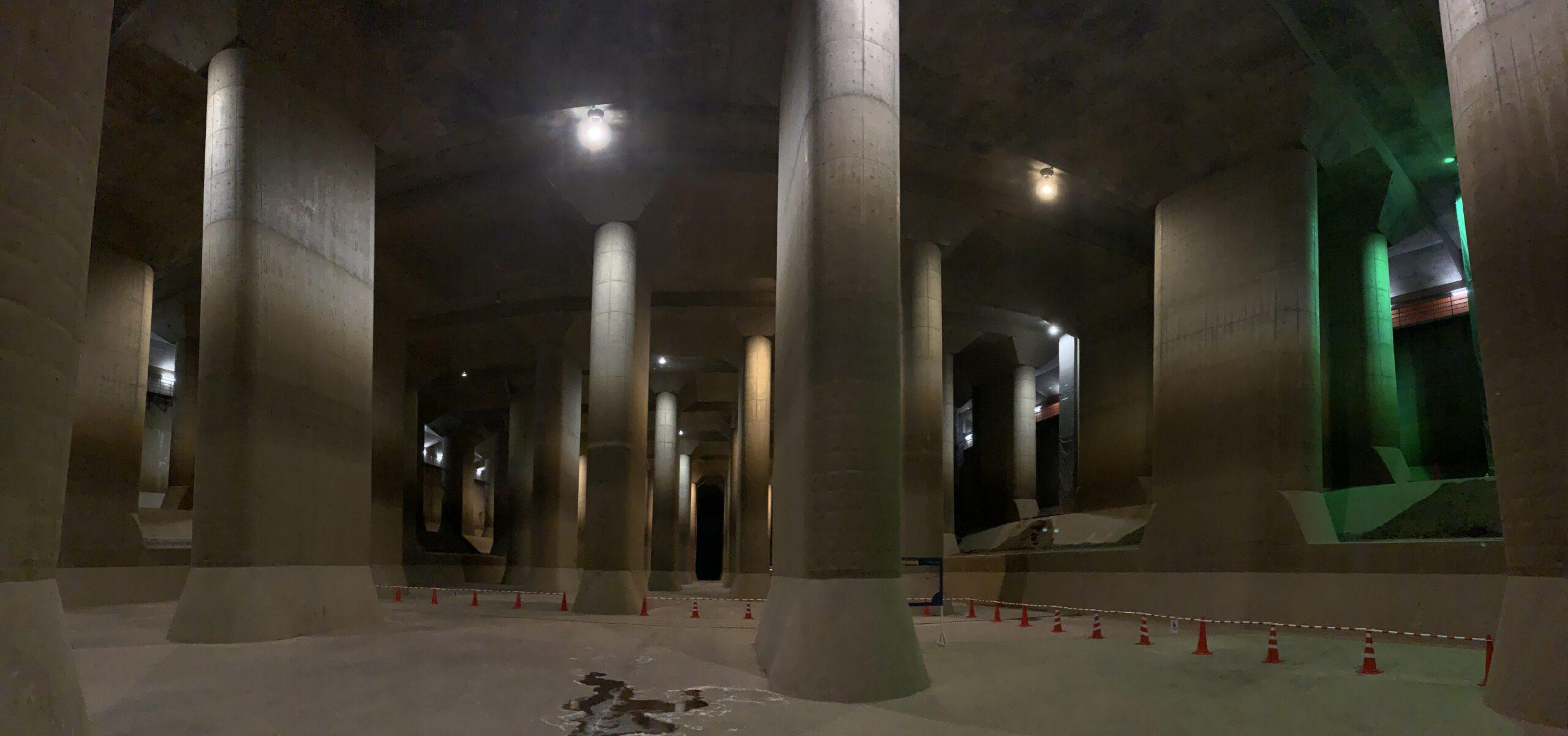 首都圏外郭放水路は地下神殿と呼ばれるほど絶景な写真ポイント